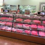 肉のオカヤマ直売所 - 店内