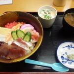 寿し処弁慶 - ちらし寿し定食\800