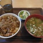 すき家 - 牛丼とん汁おしんこセット ¥490-