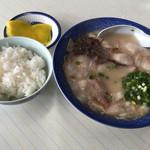 心来軒 - 料理写真:チャーシューメン=600円 めし 小=120円