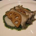 田無羅 - 料理写真:蒸しアワビと蓮根