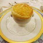 綱町三井倶楽部 - 2015森の茸のスープのパイ包み焼き
