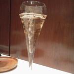 45801715 - 3種のワインコースの1杯目はシャンパン
