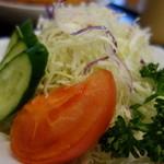 咲咲亭 - サラダ(ロースかつカレー)