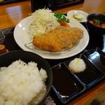 咲咲亭 - 手延べヒレかつ定食