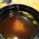 咲咲亭 - 味噌汁(手延べヒレかつ定食)