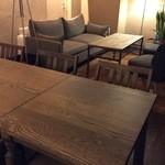 自然派 和食 ダイニング&カフェ SOLA - 2階はラグジュアリーな空間