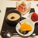45805551 - 2015.12 甘味(焙じ茶ミルク寄せ、広島トマトシャーベット、季節の果実2種苺とはっさく