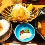 45805652 - 2015.12 広島牡蠣フライにとウスターソースとタルタルソース付き