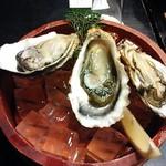 いかだ荘 山上 - 生牡蠣 3個