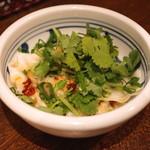 讃岐うどん 蔵之介 - パクチー水餃子