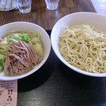 らーめん なか星 - 野菜つけめん(730円)