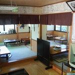 ジンギスカン・シロー - ほとんど座敷で一つテーブル席あり、座敷で30人くらい入れます。小宴会受け賜ります。