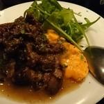 45810968 - ふわトロオムレツ                        トスカーナ風牛肉の黒胡椒炒めソース