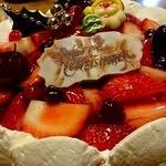 アニーズカフェ - 苺のデコレーションケーキ