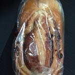 45816578 - シナモン食パン