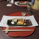 45818922 - 美しい紅葉麩と鯛小袖寿司