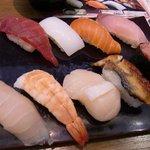 回転寿司 まる - にぎり盛り合わせ