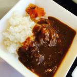 新横浜国際ホテル - カレーも肉がたっぷりでうまうまぁぁぁ~♪