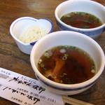 かねぎん坂野 - つけ汁:薬味(天かす)