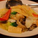 ダリアン - 海鮮塩炒め。コレはようやくフツー。