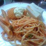4583370 - ナポリタン風スパゲッティ、シーフードペンネ、コーンコロッケ、サンドイッチ