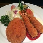 やろく - 名物たまごコロッケと海老フライの定食