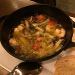 ロジック - 海老とキノコのグツグツオイル煮