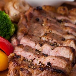 「函館産真イカ」「八雲産こだわり豚」など道産食材を中心に使用
