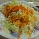 カシミール - サービスのサラダ