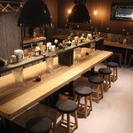 175°DENO〜担担麺〜 - 真ん中の大きなテーブルでは12名様