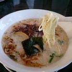 哲麺 - バリカタ(豚骨塩)