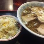 霞舫 - チャーシュー麺セット