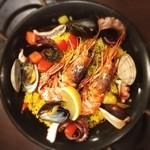 魚とワイン はなたれ The Fish and Oysters - 魚介のパエリア