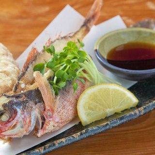 沖縄の食材をふんだんに使用したメニュー