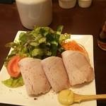 ボワットブランシュ - 自家製ロースハムに野菜サラダと人参のマリネ +300円