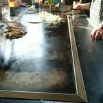 下村 - 料理写真:でかい鉄板で