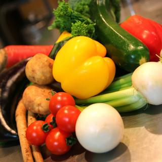野菜ソムリエのシェフが厳選した地元農家さんのお野菜
