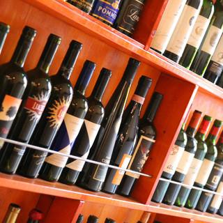 60種類を超えるワイン。お取り寄せも可能。