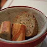 ブラッスリー・ヴィロン - 朝食のハード系パン