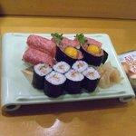 助八寿司 - 「牛セット」です。