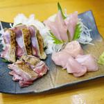 川栄 - 名物 ほろほろ鳥 合わせ盛り ¥1,200 左 たたき、右 刺身