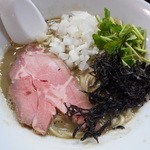 麺処 晴 - 濃厚そば(背黒白口) 780円