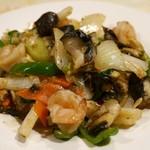 45864849 - 海鮮三種の彩り野菜炒め  (850円)