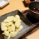 近江牛卸問屋 焼肉 激 - ニンニクホイル焼き