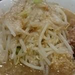 45868980 - ラーメン(麺半分・ニンニクアブラ辛玉)