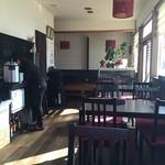 中国酒家 成 - 店内明るいです