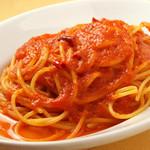 スパゲッティ にんにく赤唐辛子のトマトソース