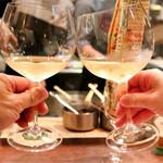 ガイーナ - 白ワインで乾杯〜♪