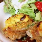 45872856 - 鶏もも肉のマスタード焼き(税込1000円)